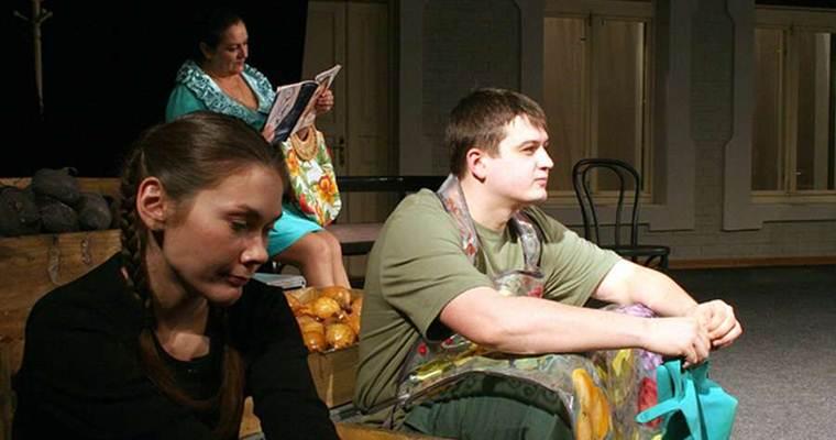 Спектакль в Киеве: Ангелочек, или Сексуальные неврозы наших родителей