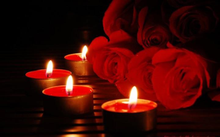 Романтика. Свечи. Цветы. Любовь
