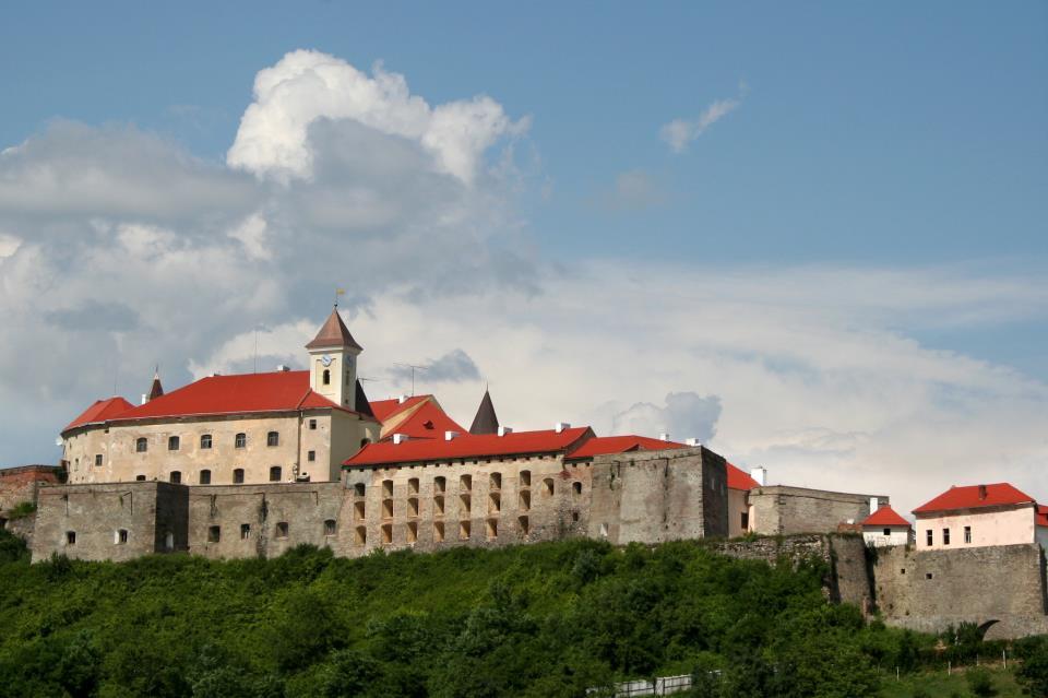 Экскурсия по замкам Закарпатья