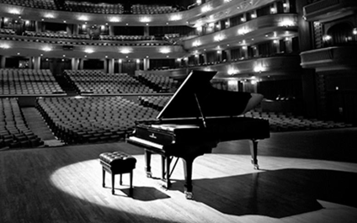 Рояль с оркестром