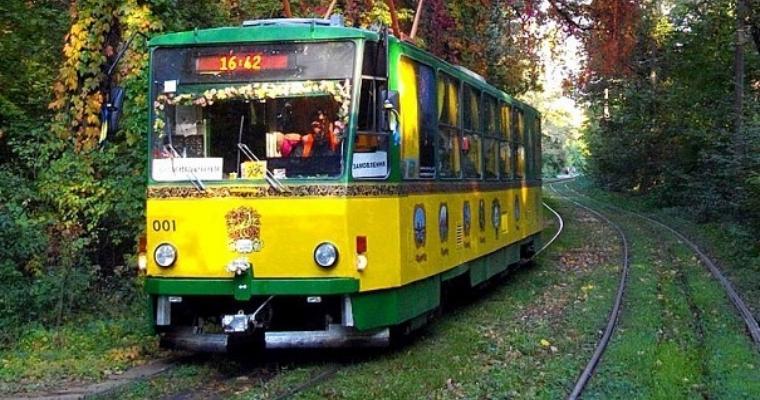 Экскурсия в Киеве: Самая трамвайная экскурсия — Подольские истории по дороге в Пущу Водицу