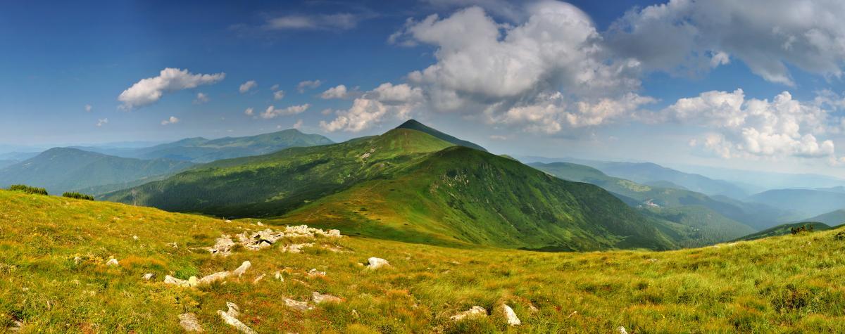 Туры по Украине: День Независимости на Говерле