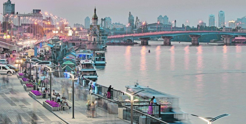 Экскурсия в Киеве: Вечерняя прогулка на теплоходе по Днепру