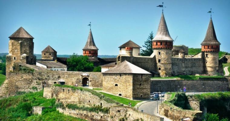 Тур по Украине: Места, которые вдохновляют: Каменец-Подольский, Хотин, Черновцы!