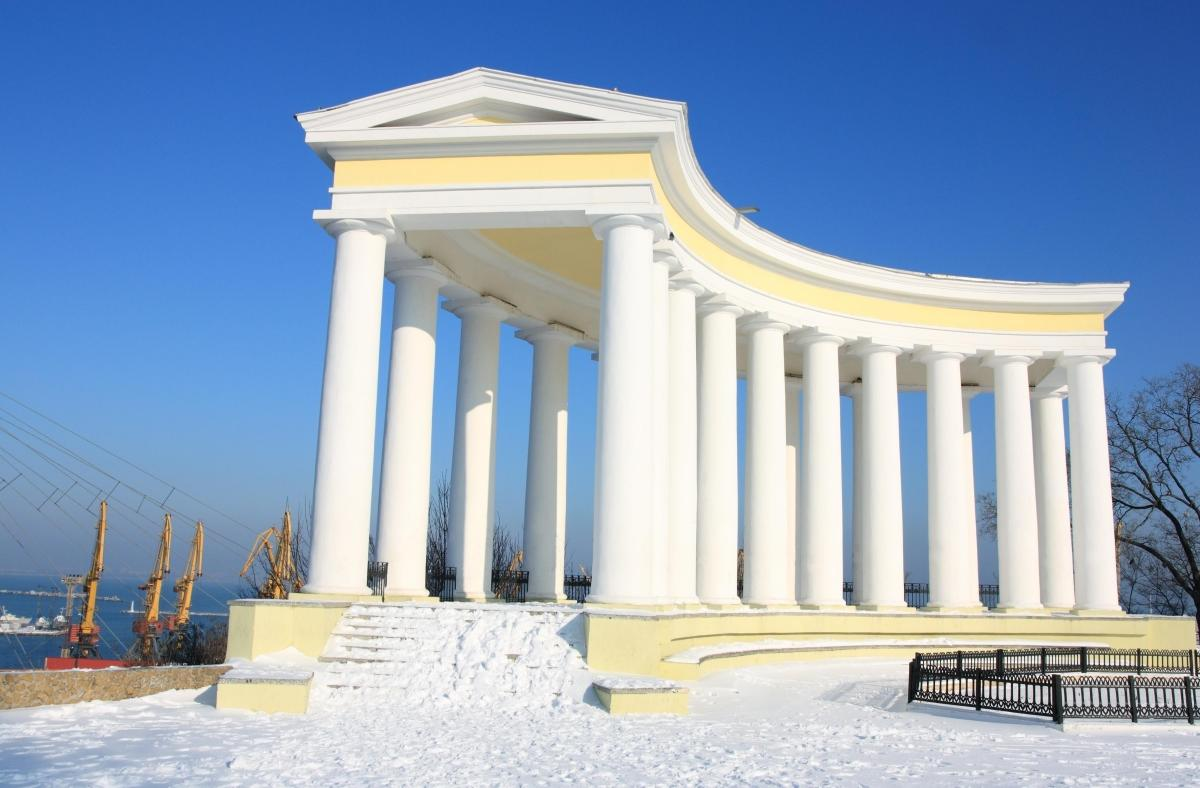 Колоннада перед Воронцовским дворцом, Одесса