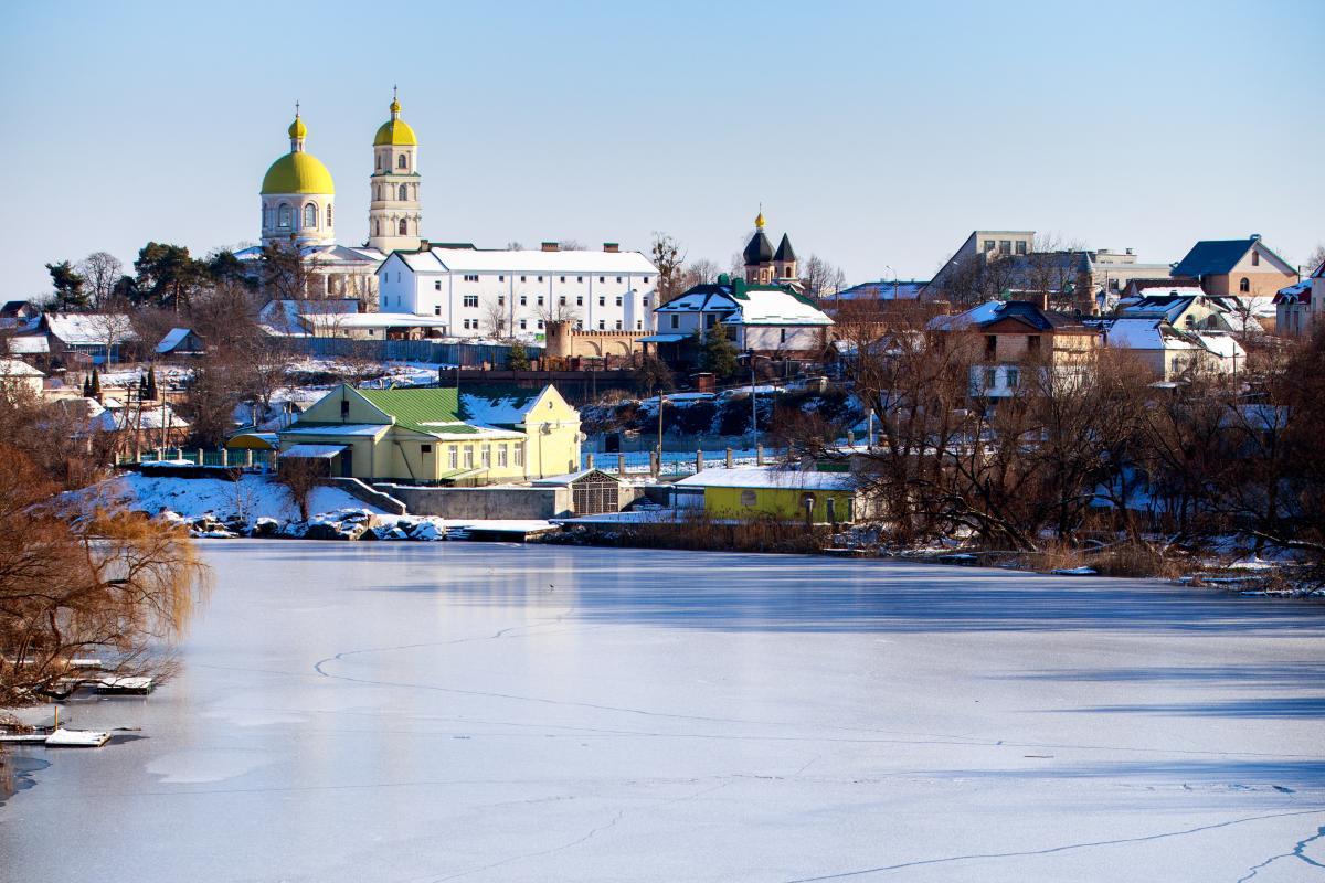 Тур по Украине: Невероятная Рось, каток и СПА