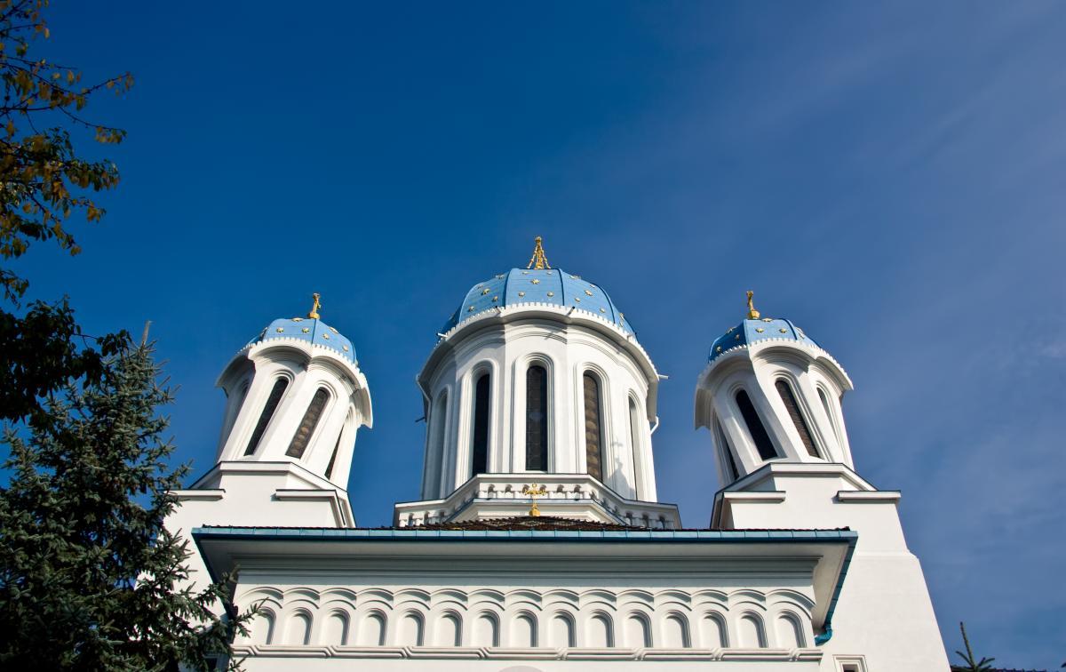 Тур по Украине: День Святого Валентина в Черновцах