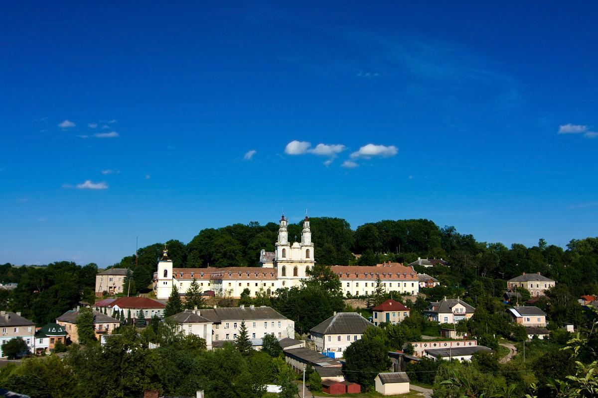 Тур по Украине: Семь старинных замков