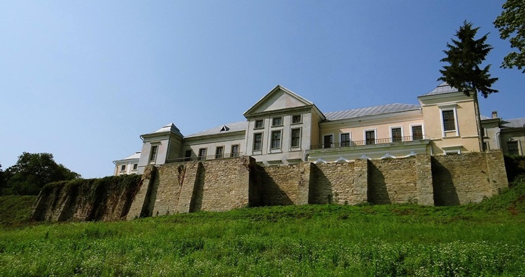Вишневецкий дворцовый комплекс