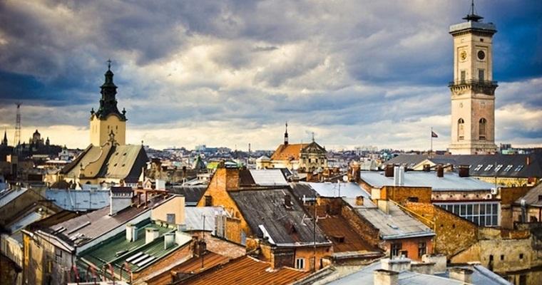 Тур по Украине: Крыши и подземелья Львова