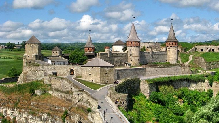Тур по Украине: Скалолазный СПА-тур в Каменец-Подольском