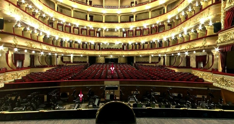 Экскурсия в Киеве: За кулисы оперного театра