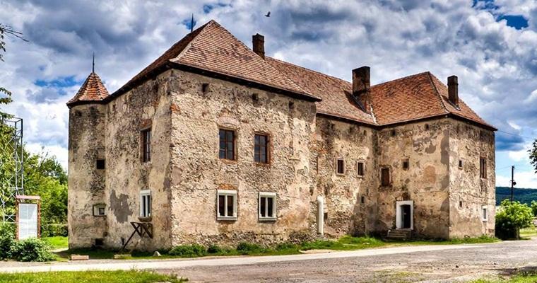 Замок Сент- Міклош (Чинадіївський замок)