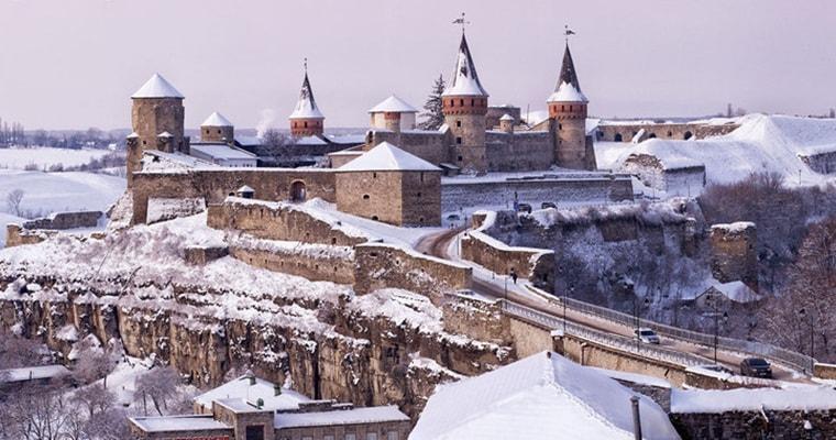 Тур по Украине: Каменец и Черновцы на Рождество