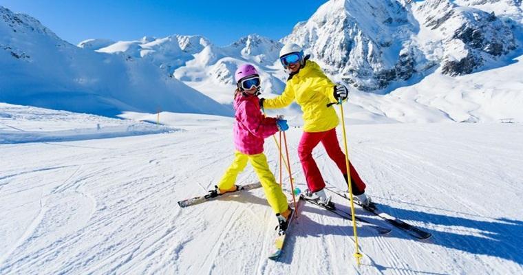 Тур по Украине: Буковель: лыжи, сани и гуцульские забавы