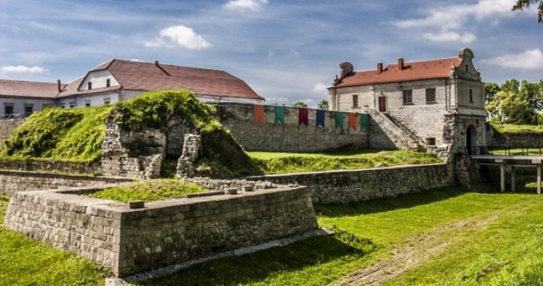 Тур по Україні : Тернопіль і замки