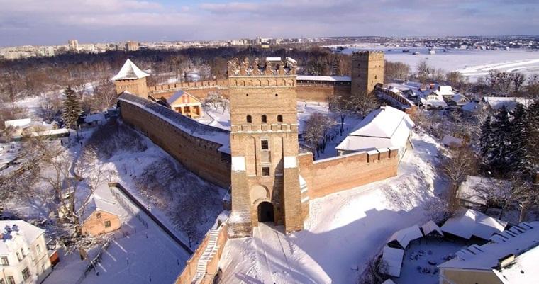 Тур по Украине: Новый год на Волыни + замки Тернопольщины