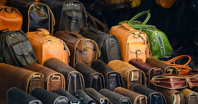 Сумки для отдыха и работы - разновидности, преимущества мужских сумок через плечо